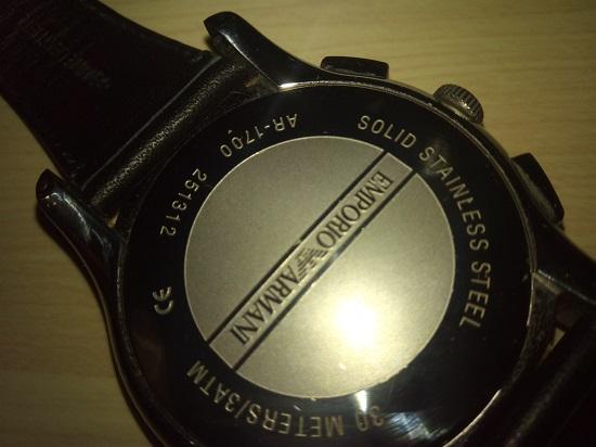 エンポリオアルマーニ腕時計、盤の裏側