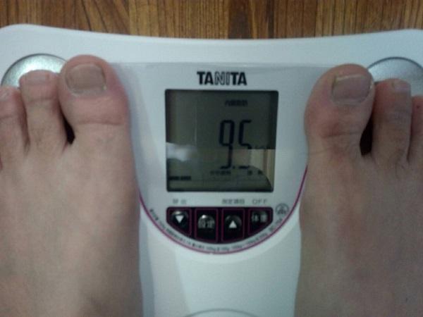 内臓脂肪をタニタで測る