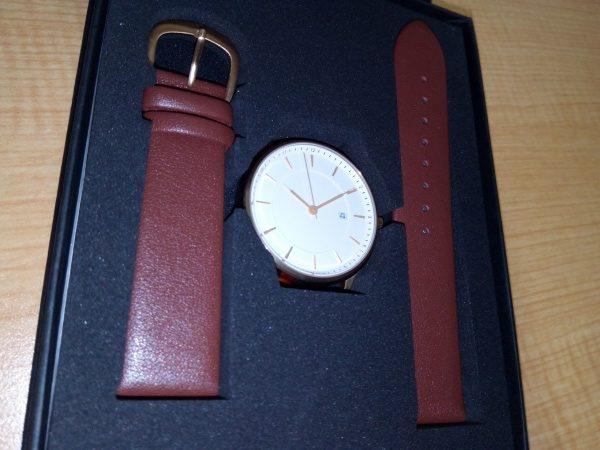 Lagom Watchesの上下ベルト・文字板