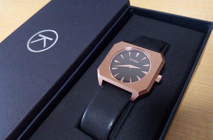 腕時計KYOMOの写真