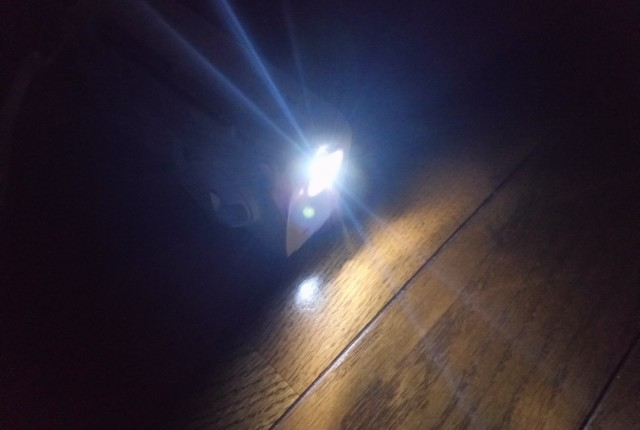 暗闇で着けたTY-JKR5のLEDライト